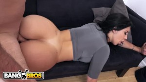 Valerie Kay's BF Sean Lawless Gets Seduced By Her Busty Roommate, Natasha